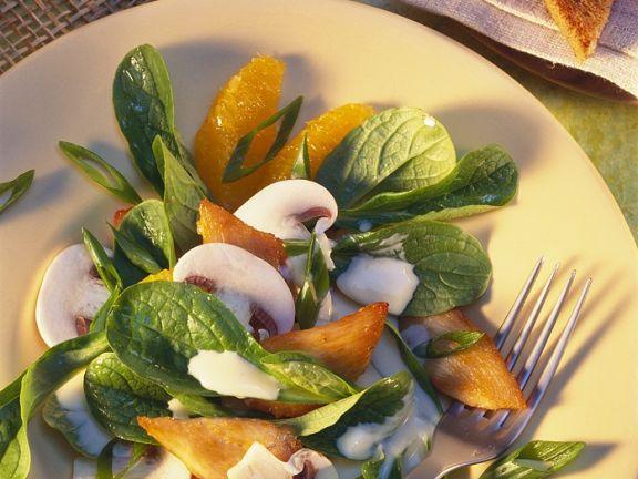 Salat mit Hähnchen und Oragendressing
