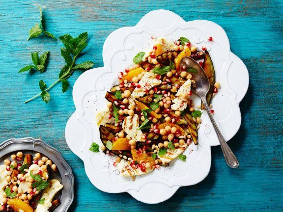 Salat mit Halloumi, Kichererbsen und Minze
