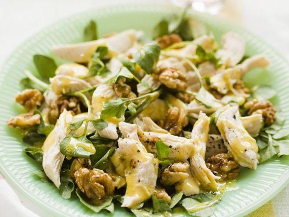 Salat mit Huhn, Brunnenkresse und Nüssen