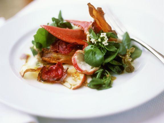 Salat mit Hummer und Gemüsechips