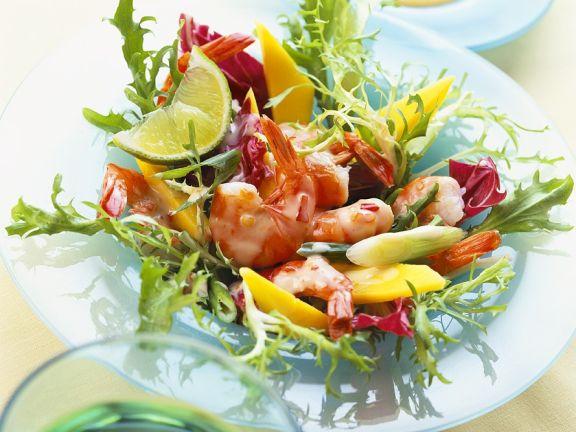 Salat mit Mango und Shrimps