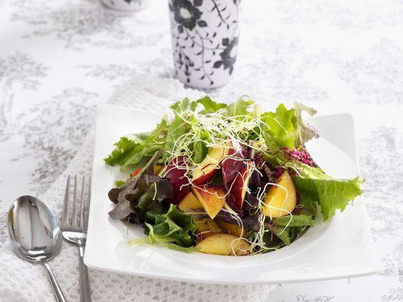 Salat mit Nektarinen