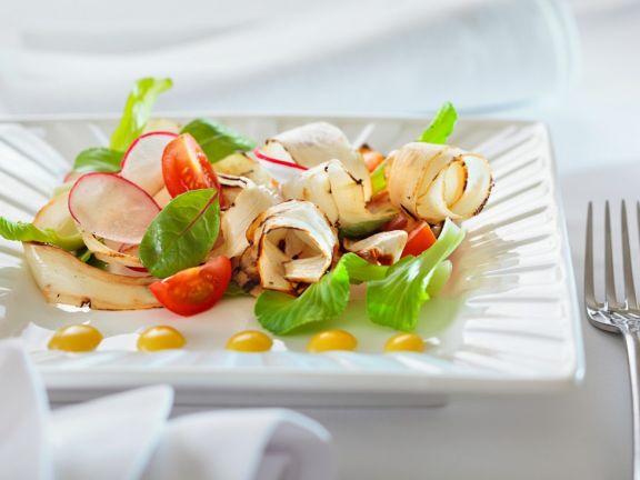 Salat mit Schwarzwurzel, Tomaten und Radieschen