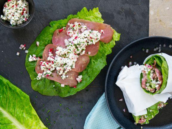 Salat-Wraps mit Putenschinken und Radieschen