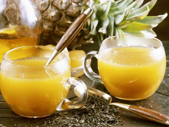 Sanddorn-Ananas-Punsch