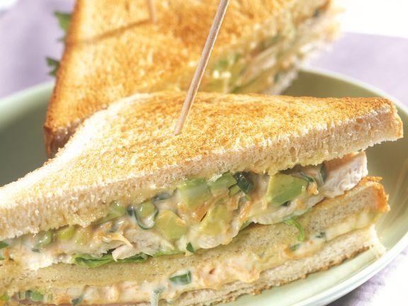 Sandwich mit Hähnchensalat
