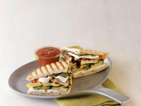 Sandwiches mit Gemüse vom Grill