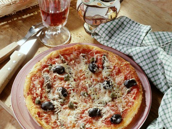 Sardellen-Pizza mit Oliven
