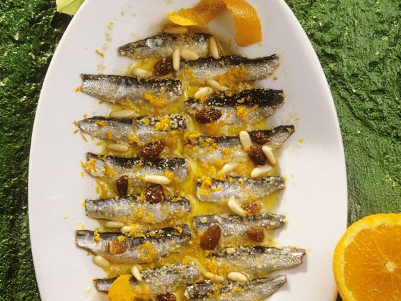 Sardinen in Orangen-Rosinensauce