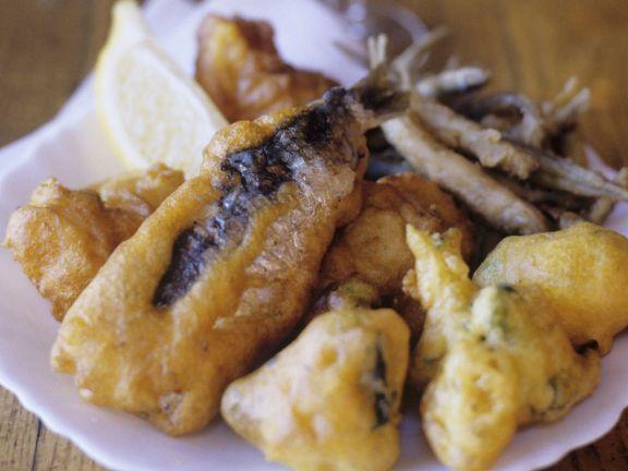Sardinen und Zucchini im Backteig frittiert