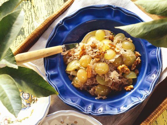 Sauerkraut mit Weintrauben