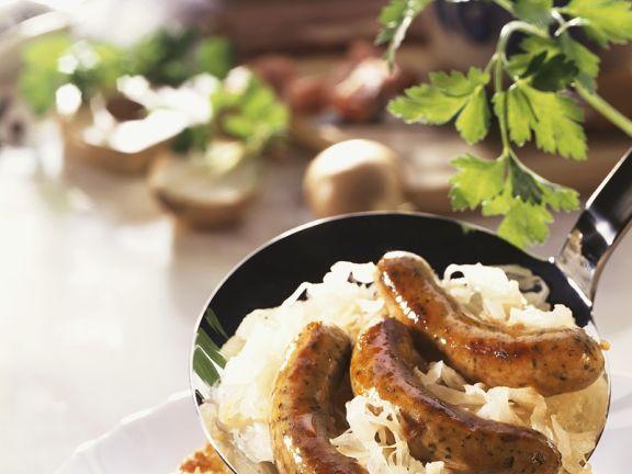 Sauerkraut mit Würstchen