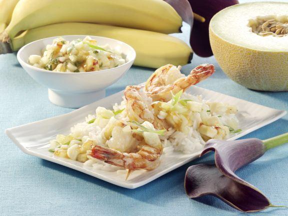Scampi-Spieße mit Melonen-Bananen-Salsa