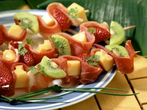 Schinken-Obst-Spieße mit Käse