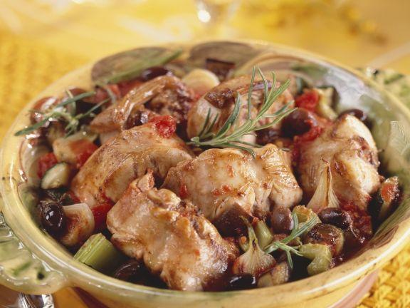 Schmor-Kaninchen mit Oliven und Rosmarin