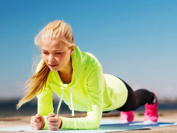 Übung, um den markierten Bauch abzunehmen
