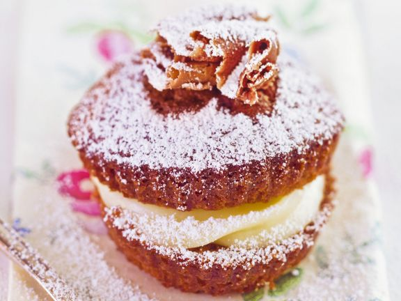 schoko cupcake mit vanille f llung rezept eat smarter. Black Bedroom Furniture Sets. Home Design Ideas