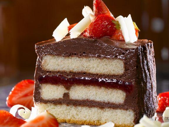 Schoko-Erdbeer-Dessert mit Biskuit
