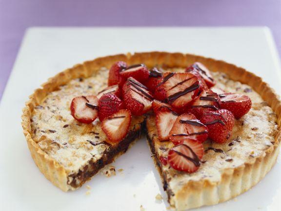 Schoko-Walnuss-Kuchen mit Erdbeeren