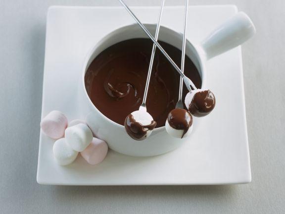 Schokofondue mit Marshmallows