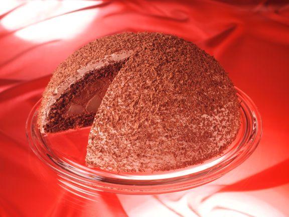 Schokoladen-Kuppeltorte mit Birnen