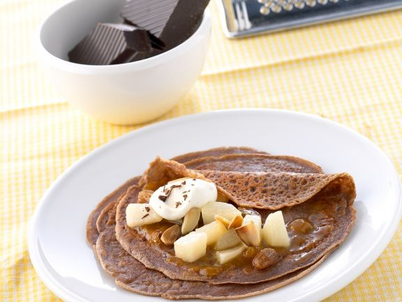 Schokoladen-Pfannkuchen mit Birnen