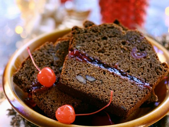 Schokoladenkuchen mit Marmeladenfüllung