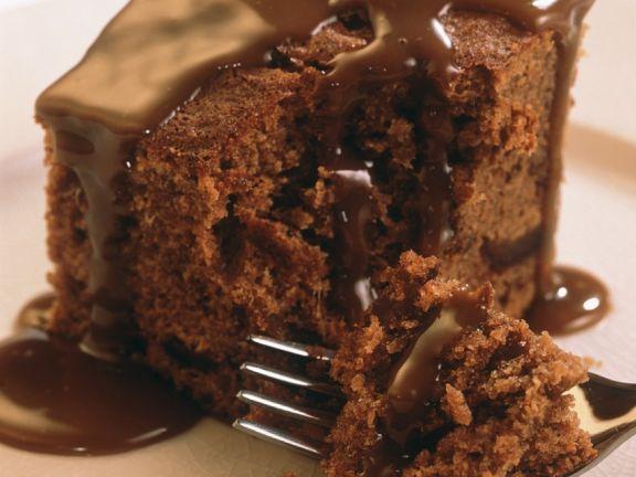 Schokoladenkuchen mit Schokosauce