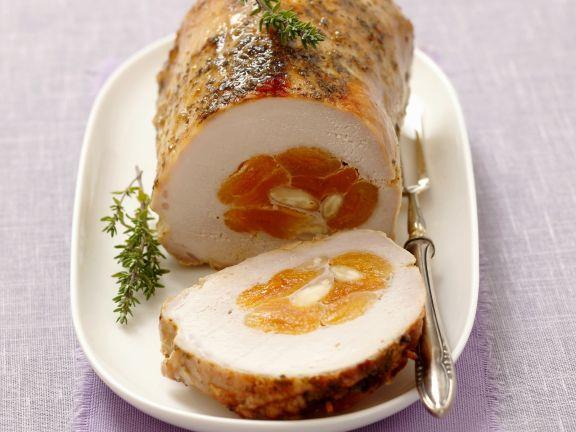 Schweinebraten mit Aprikosen-Mandel-Füllung