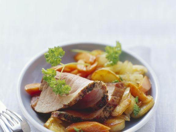 Schweinebraten mit gebratenen Kartoffeln