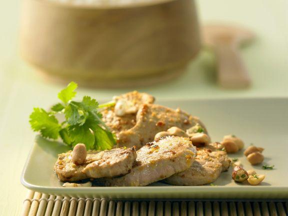 Schweinefilet mit Gelbwurz-Erdnuss-Paste