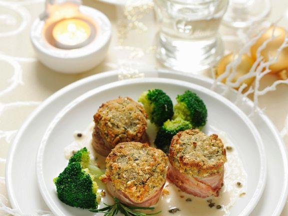 Schweinefilet mit Nusskruste und Brokkoli