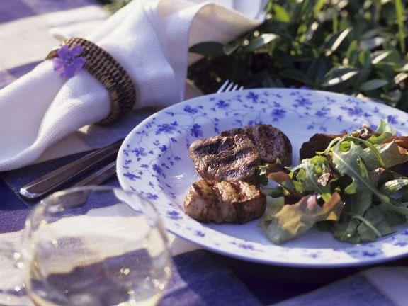 Schweinefilet vom Grill mit Rucolasalat