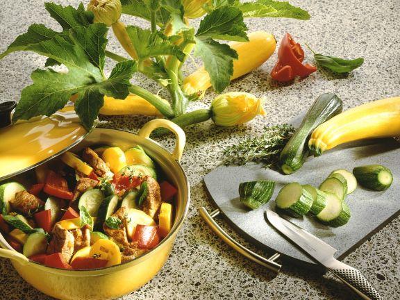 Schweinefleisch-Gemüseeintopf