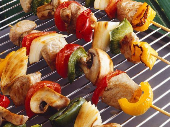 Schweinefleisch-Gemüsespieße vom Grill