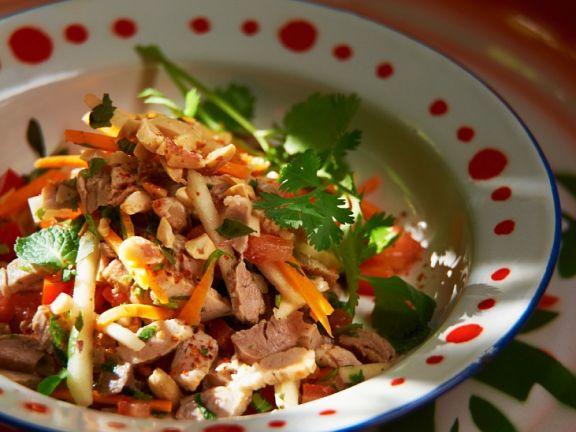 Schweinefleisch-Mangosalat