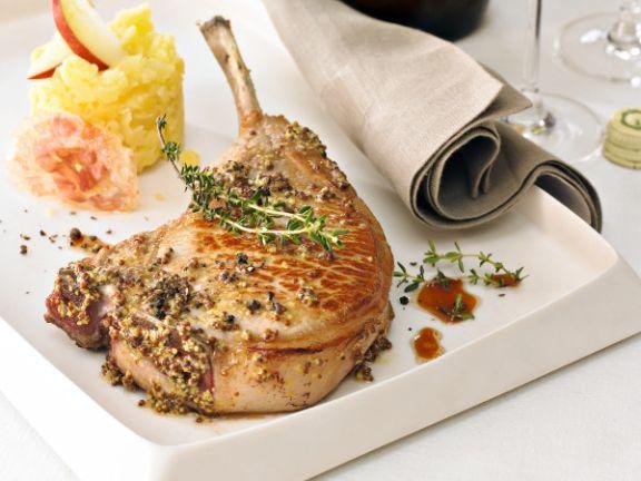 Schweinekoteletts mit Kartoffel-Apfel-Stampf