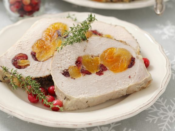 Schweinerollbraten mit getrockneten Aprikosen und Cranberries