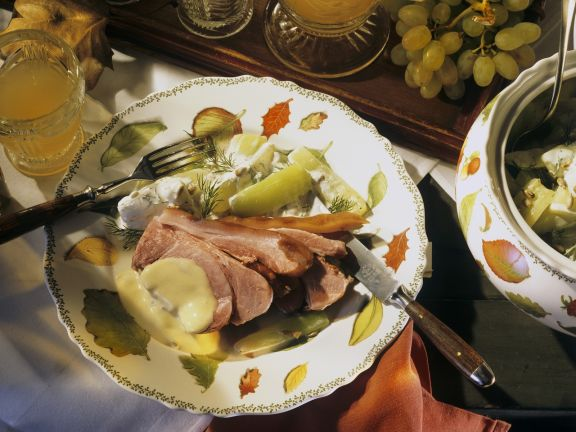 Schweineschulter (Schäufele) mit Senfsoße