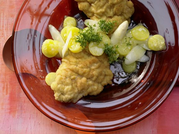 Seeteufel-Schnitzel mit Spargel-Kartoffel-Salat