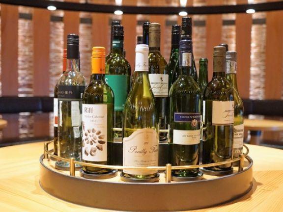 Sekt_und_Weinflaschen