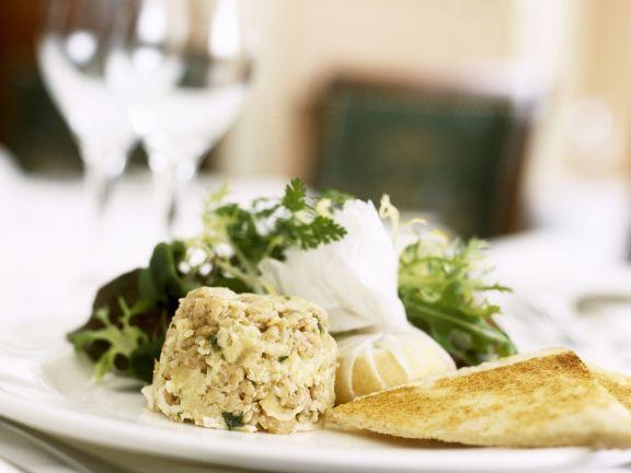 Sellerie-Shrimps-Flan mit Käse und Toastbrot