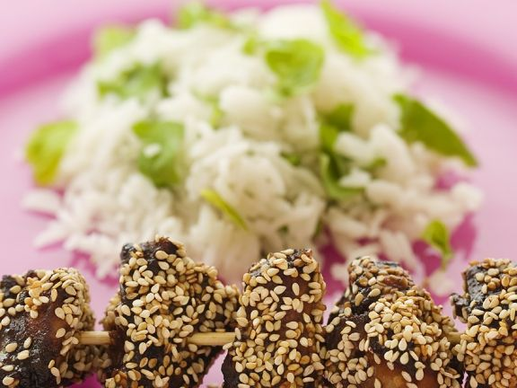 Sesam-Hühnchen vom Spieß mit Minzreis