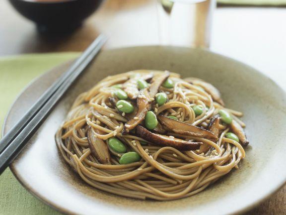 Shiitake-Nudeln mit Sesam