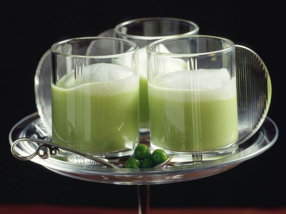 Smoothie aus grünem Tee mit Wasabihaube
