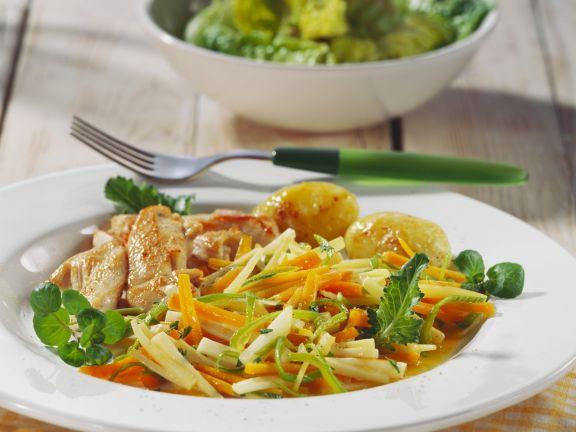 Sommerliche Hähnchenbrust mit Gemüse und gerösteten Kartoffeln