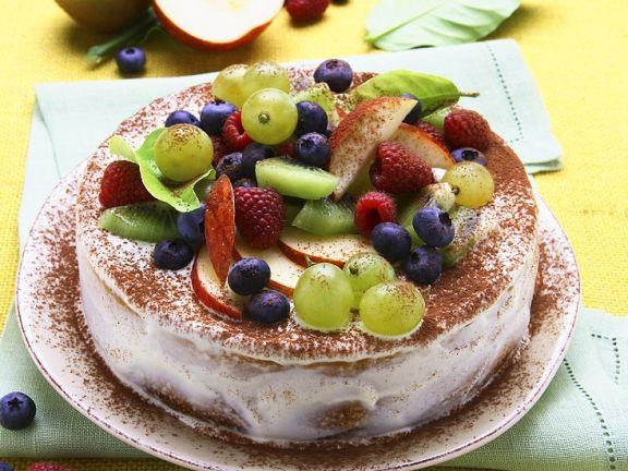 Sommertorte mit Früchten