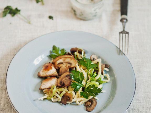 Spätzlepfanne mit Hähnchen und Pilzen
