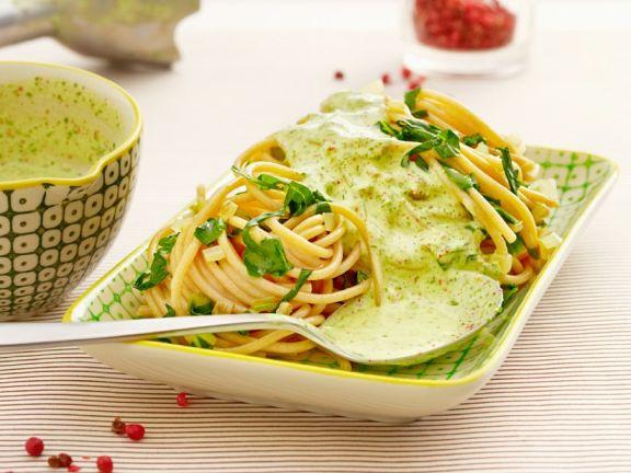 Spaghetti mit Bärlauchsauce