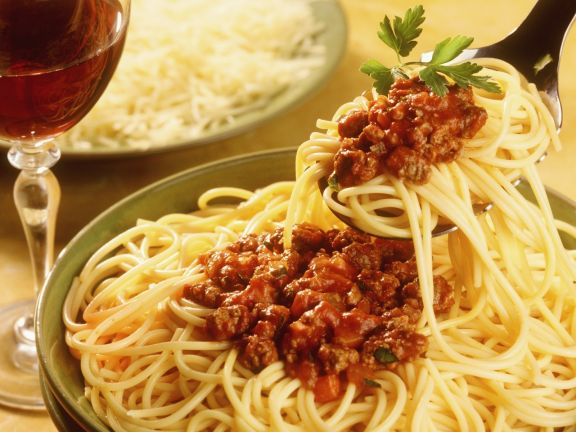 Spaghetti mit Fleischsoße (Bolognese)